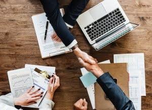 De unde e cel mai bine sa achizitionezi o solutie informatica pentru afacerea ta?